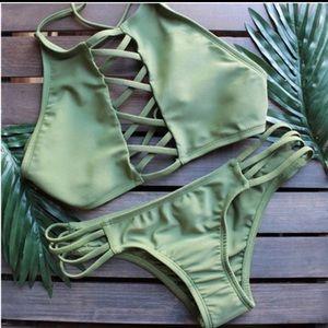 Bikini bottom comes with top